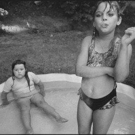 Amanda-and-her-cousin-Amy,-Valdese,-North-Carolina,-1990