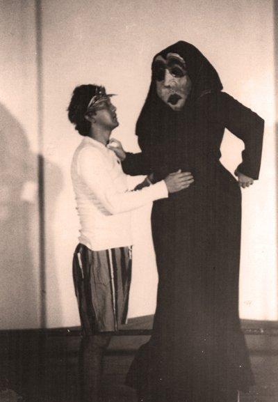 La Trinchera, 1985. Viaje al mundo de Plauto de Chigo de Chiara. Dirección, Arístides Vargas.