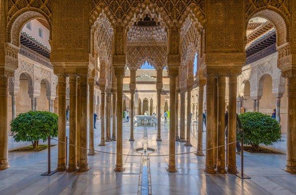 Vista interior de la Alhambra.