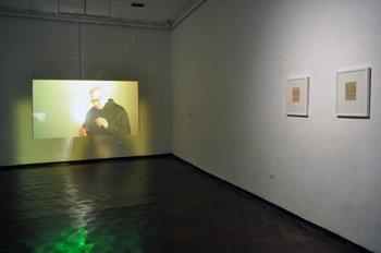 Óscar Santillán, Afterword (Epílogo), 2014-2015. Videoinstalación y escultura, dimensiones variables.