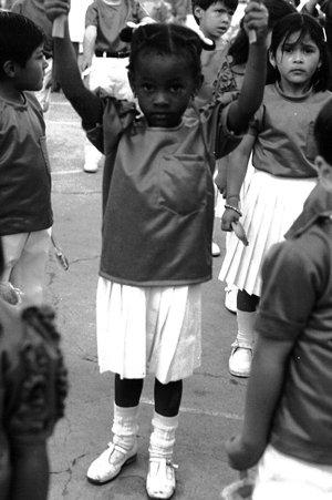 Desfilando con la escuela Oviedo por las calles de Ibarra hacia 1990.
