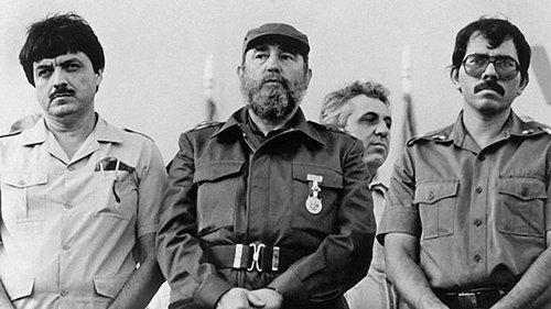 Junto a Fidel Castro y Daniel Ortega. Ramírez criticó duramente a Ortega y se separó del movimiento sandinista.