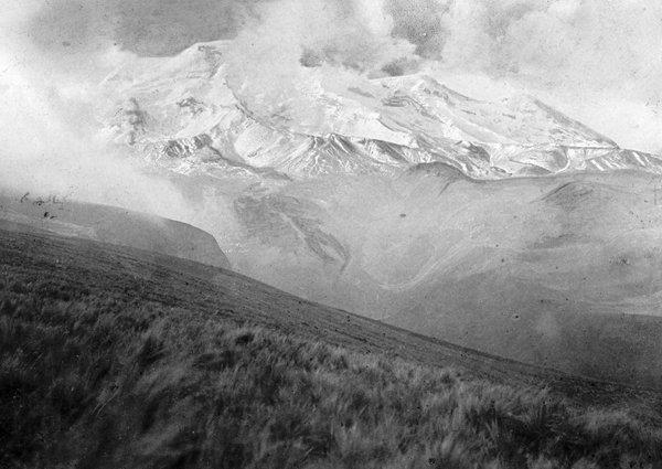 El Quilindaña. Foto: Paul Grosser, 1902.