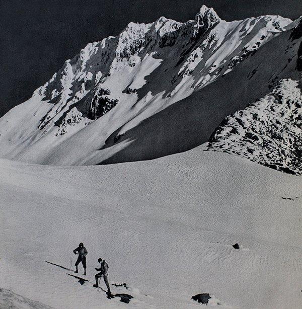 La ensillada entre el Iliniza norte y el sur. Foto: Arturo Eichler, 1948.