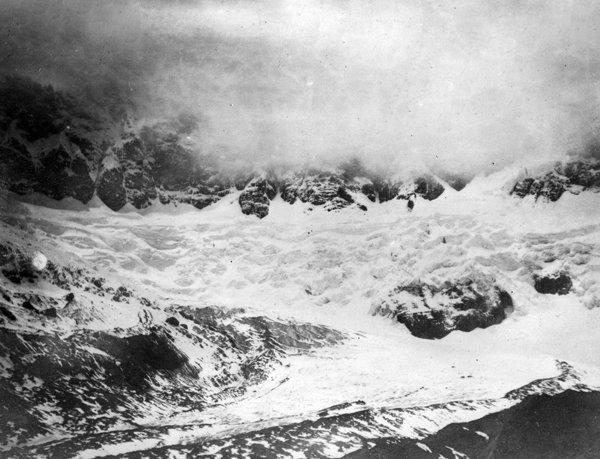 Glaciares de El Altar. Foto: Hans Meyer, 1903.