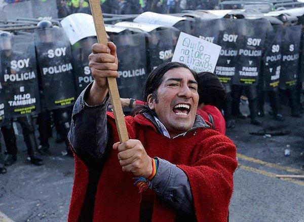 Previa a la marcha contra las enmiendas que impuso Correa en 2015.