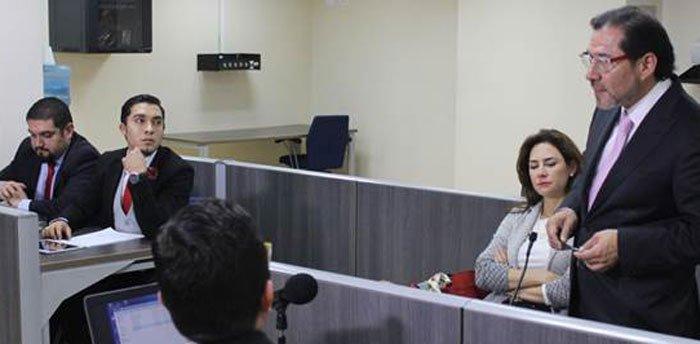 Durante la defensa de diario Expreso ante la Supercom, en 2017.