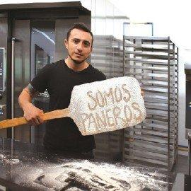 Diego Sánchez es fundador de GQB Escuela de Arte Culinario, del restaurante Bar Bestial, del restaurante La Hueca y de Yapa Panadería Creativa. Su pasión y misión es la creación de panes exclusivos para negocios gastronómicos.